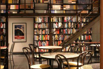nội thất cafe sách